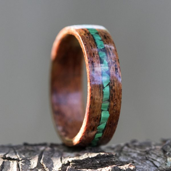 Mahogany wooden ring inlaid with malachite